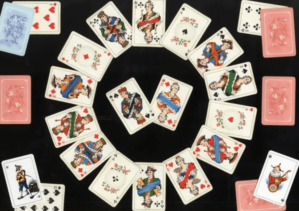 Гадание на игральных картах - Есть ли у меня соперница